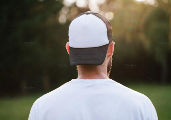 baseball-cap-empty-mock-up