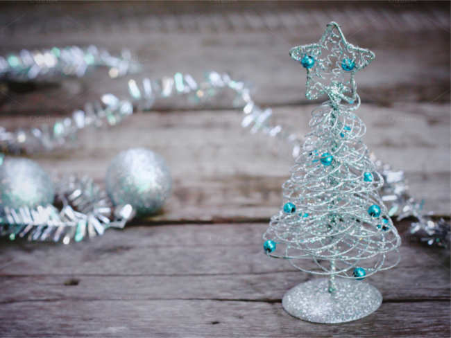 silver-christmas-tree-ornament-design