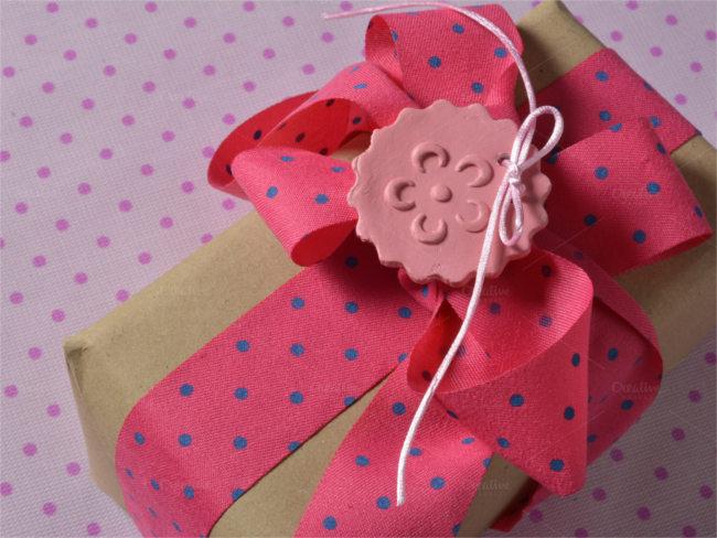 spotted-compliment-presentation-elegant-box