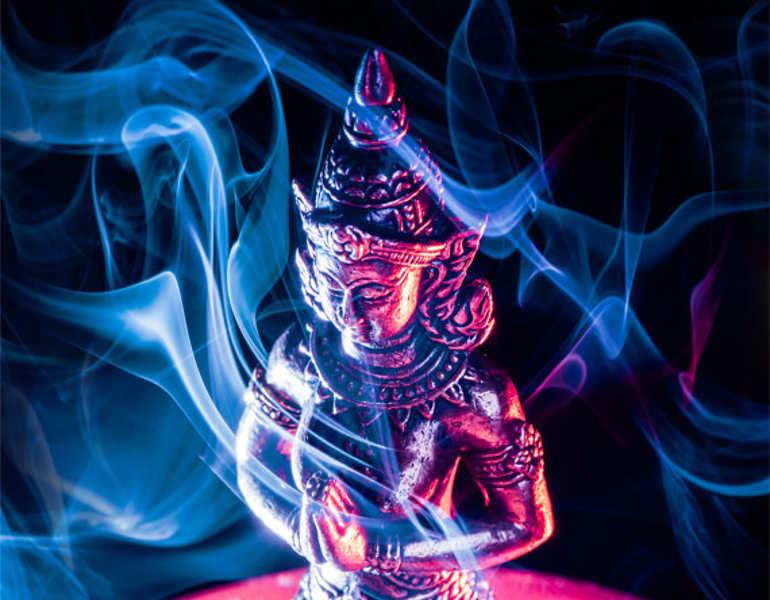 colourful-smoke-art-with-artmanimagery