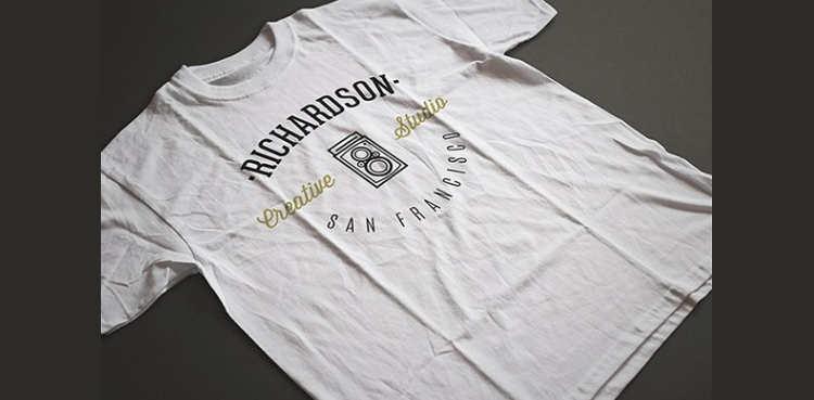photorealistic-t-shirt-mockup-psd