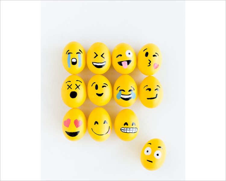smile-symbol-easter-egg-design