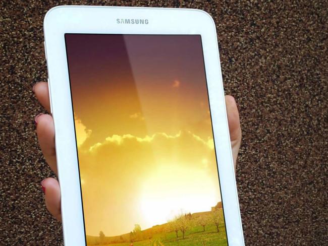 Samsung Galaxy Tab 3 PSD Mockup Free