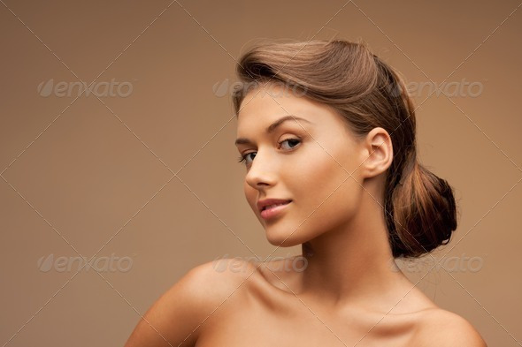 Cute and Elegant Look of Woman for Hair Style Designs