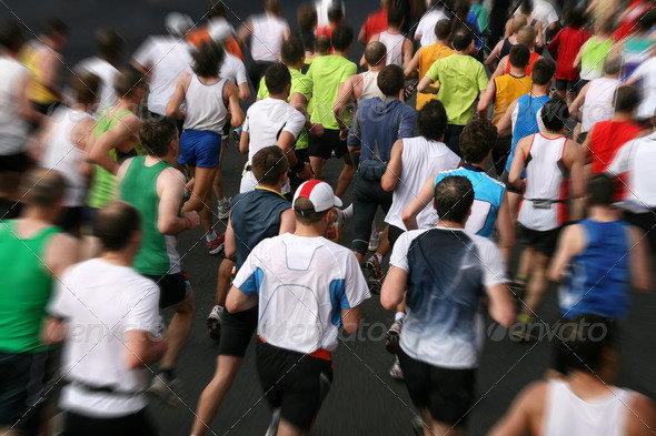 joggers racing a marathon competition