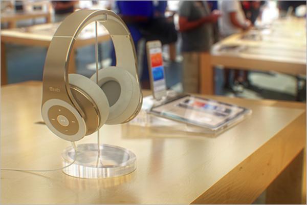 FreeHeadphones Mockup Design