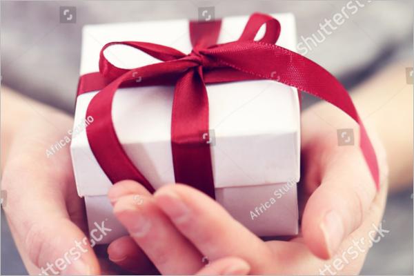 Small Gift Box Mockup Free Download