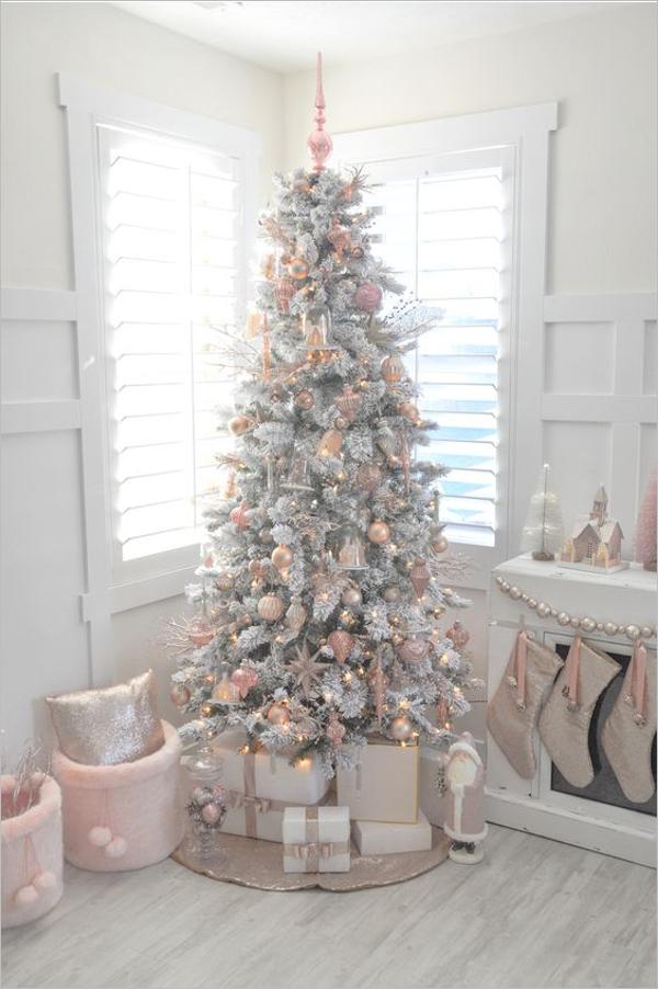 Creative White Christmas Tree