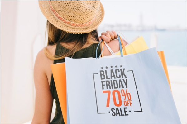 Woman Holding Shopping BagsFree PSD