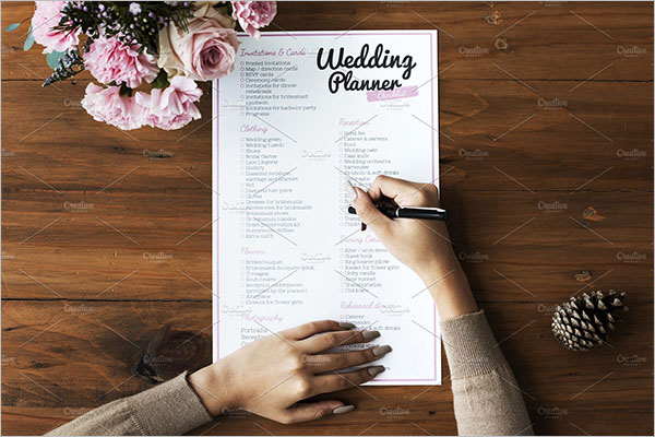 Wedding Planner Checklist In Women Hand