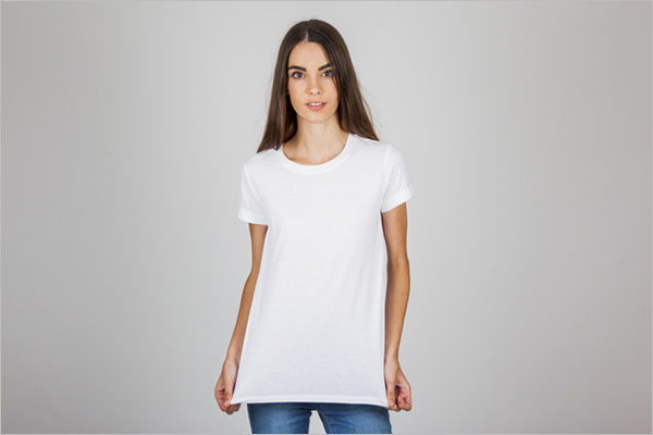 Young girl posing with her t-shirt Free Photo