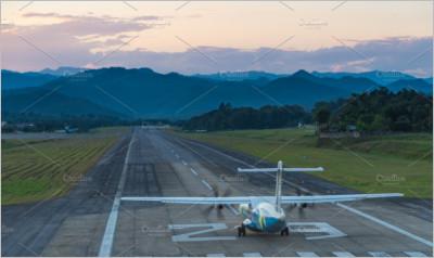airplane take off on run way