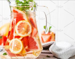 Grapefruit lemonade with lemon