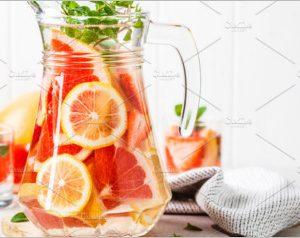 Grapefruit lemonade with lemon