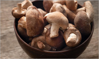 Shiitake mushrooms on wooden table